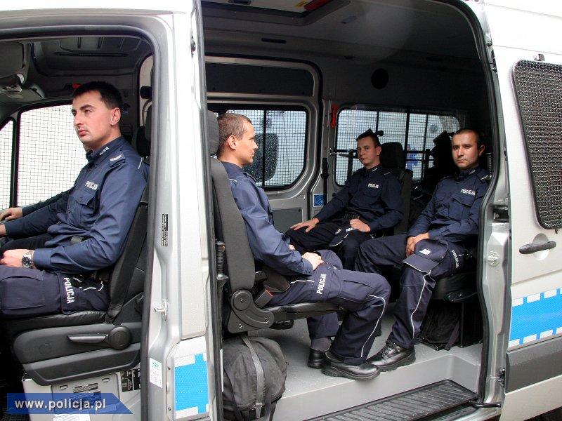 Mercedesy dla policji