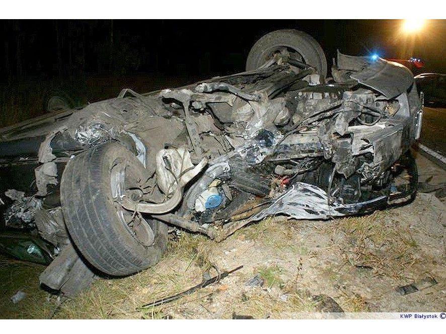Kierowcy tych aut przeżyli