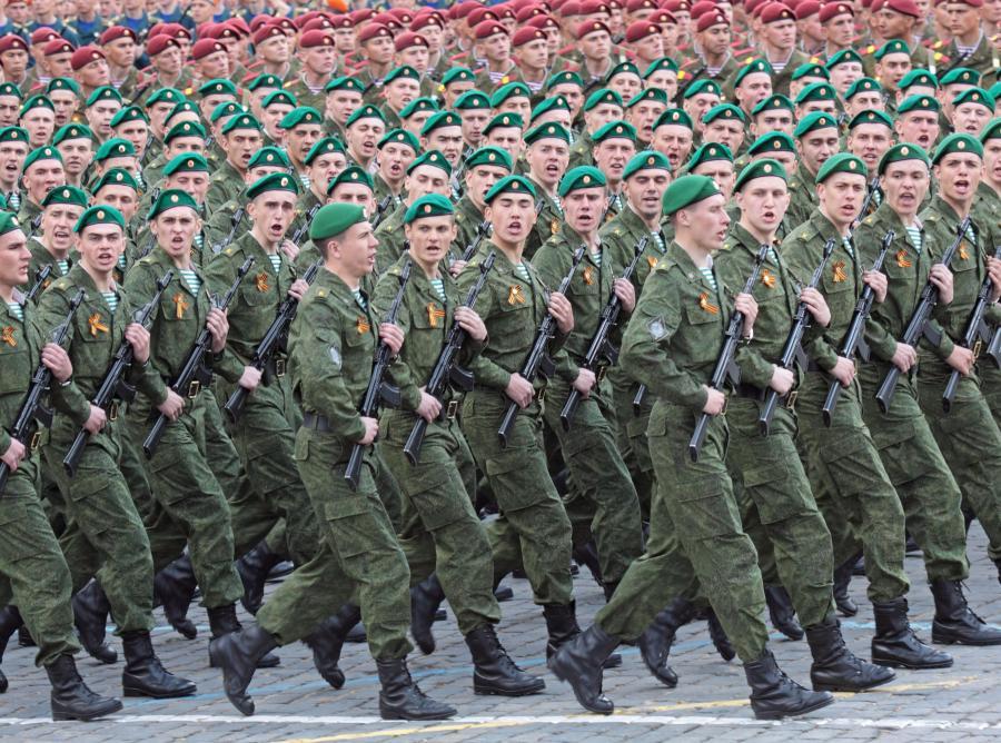 """""""Jama demograficzna"""" z początku lat 90-tych poważnie uszczupli wojsko w najbliższych latach"""