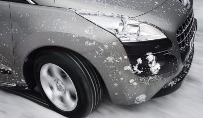 Mróz kontra silnik i akumulator
