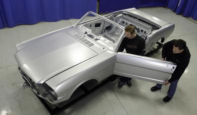 Ford oferuje nadwozia mustangów z lat 60.