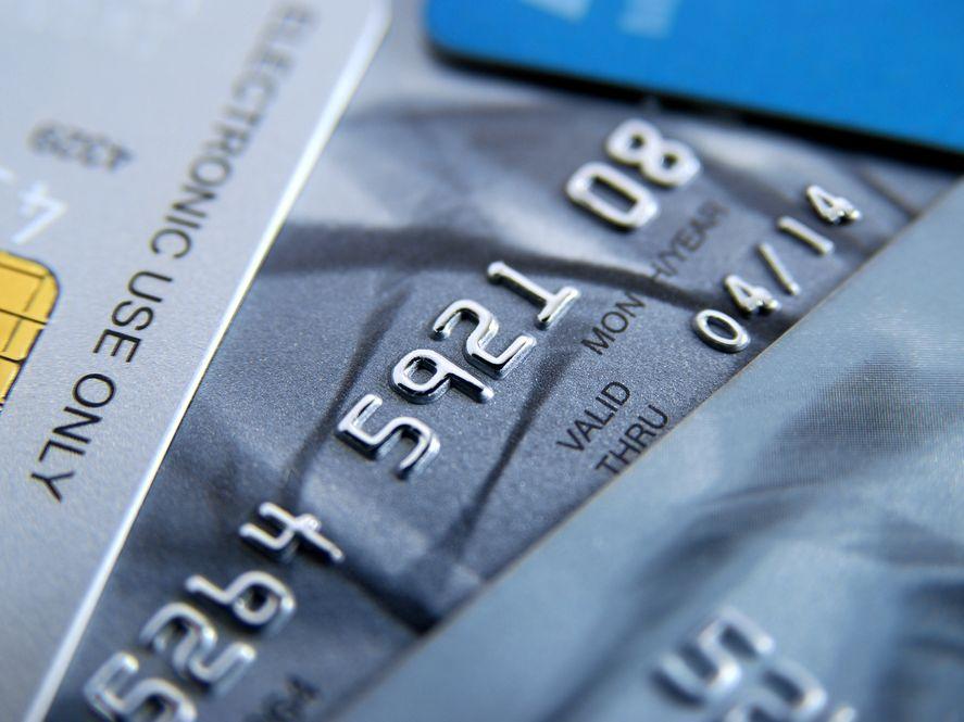 Za wyjazd na wakacje kartą kredytową już nie zapłacisz