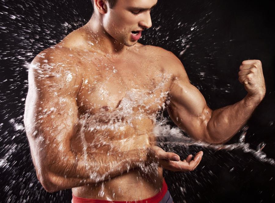Spożywanie wody podczas treningu
