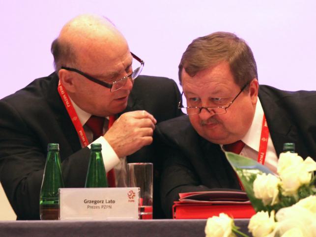 Prezes PZPN Grzegorz Lato i sekretarz generalny związku Zdzisław Kręcina