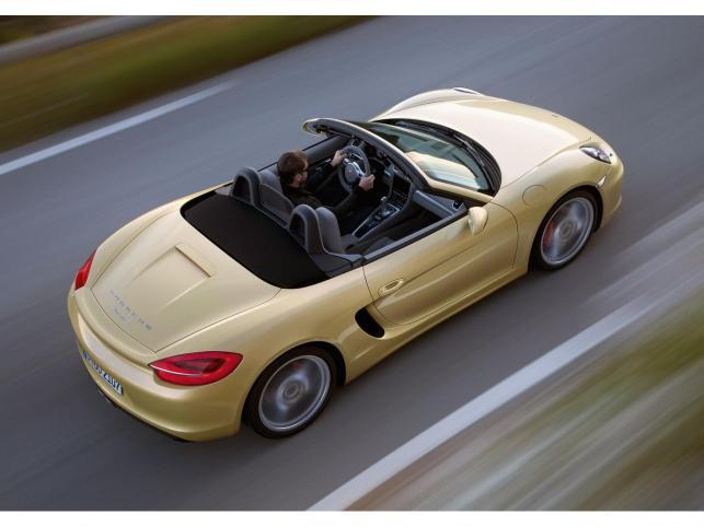 Porsche ujawniło nową generację modelu boxter.  Dwuosobowe auto z otwartym nadwoziem pojawi się na rynku z zupełnie nową karoserią o lekkiej konstrukcji i całkowicie zmodyfikowanym zawieszeniem