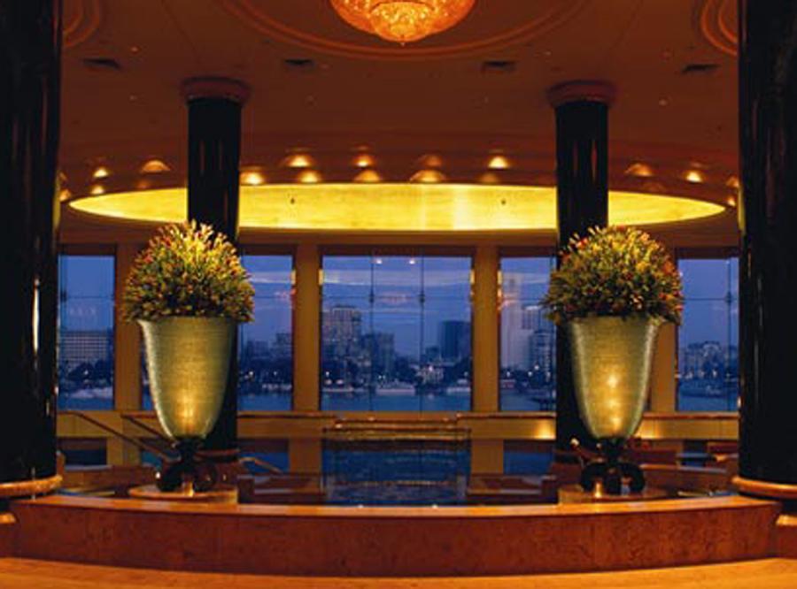 Właściciel hotelu Hyatt w Kairze kazał wylać cały alkohol do toalet