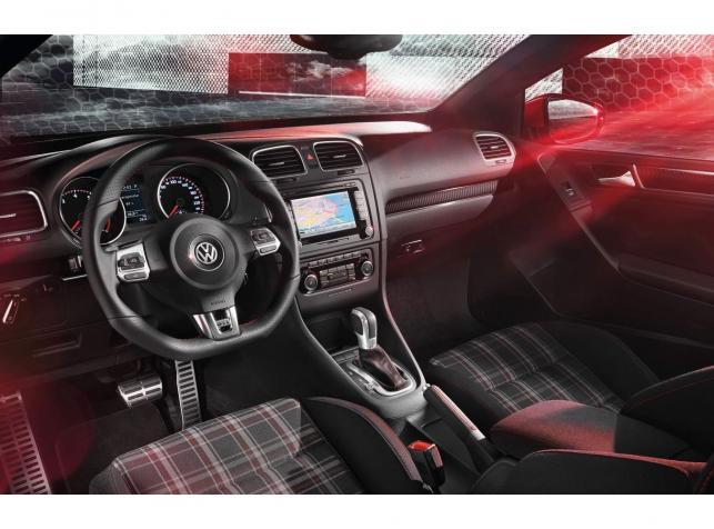 Volkswagen golf GTI kabriolet - wnętrze