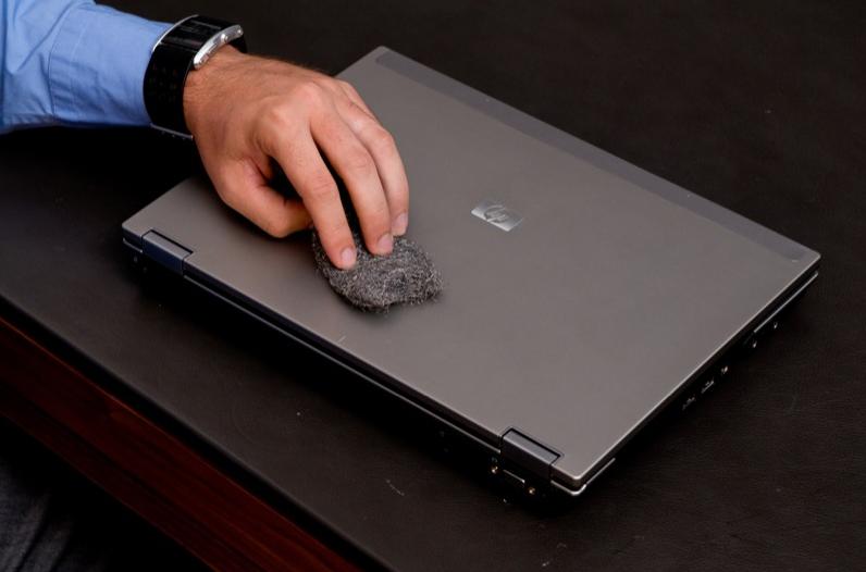 Kawał twardego laptopa dla biznesmena
