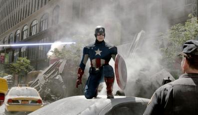 """""""Avengers"""" wkraczają na polskie ekrany"""