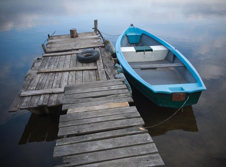 mazury jezioro pomost łódka