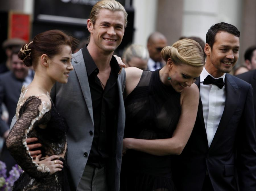 Kristen Stewart, Chris Hemsworth i Charlize Theron
