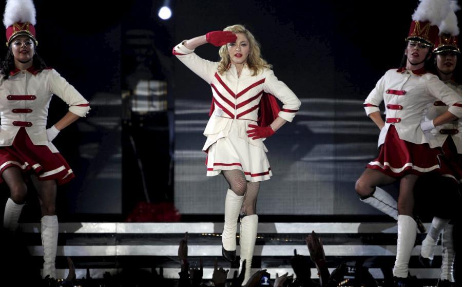 Madonna podczas koncertu w Barcelonie