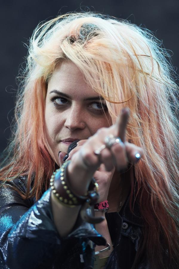 Alison Mosshart, wokalistka grupy The Kills podczas koncertu w pierwszy dzień Open'er Festiwal