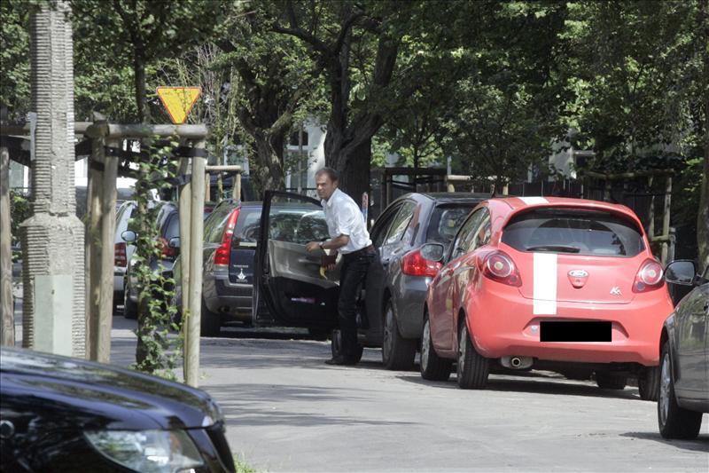 Premier zaparkował