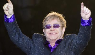 Elton John znów na szczycie UK Charts