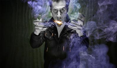 Serj Tankian śpiewa o ułomnościach amerykańskiej demokracji