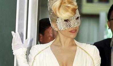 Lady GaGa nagrywa ubrana tylko w... muzykę