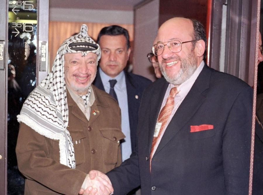 Jassir Arafat i Louis Michel, minister spraw zagranicznych Belgii