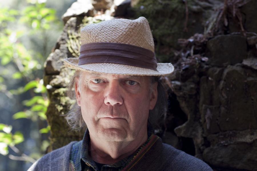 Neil Young wydaje album \