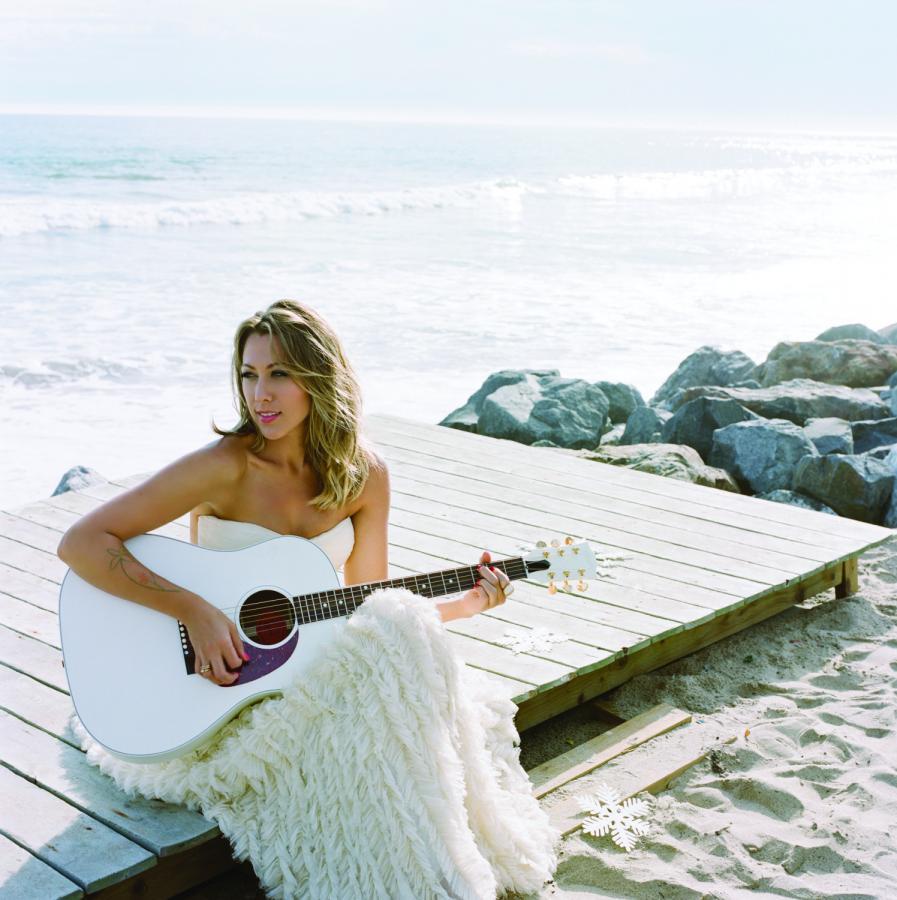Colbie Caillat zaprasza na święta na plaży