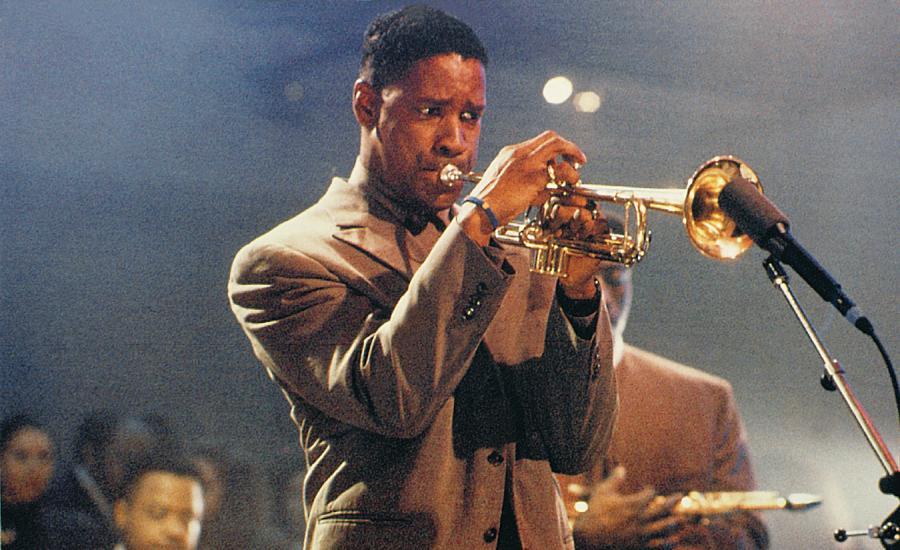 """Denzel Washington w filmie """"Czarny blues"""" (1990)"""