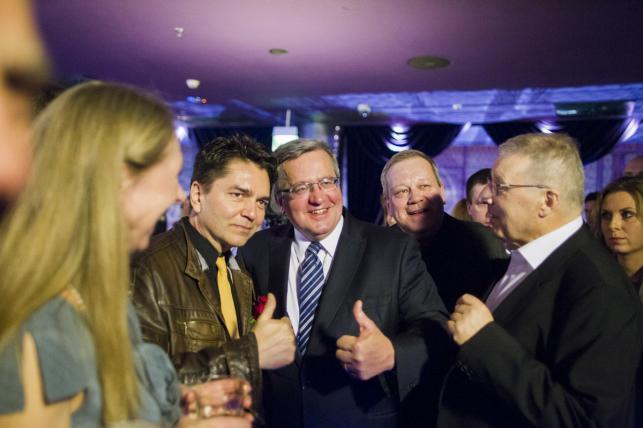 """Prezydent RP Bronisław Komorowski na premierze filmu """"Układ zamknięty"""""""