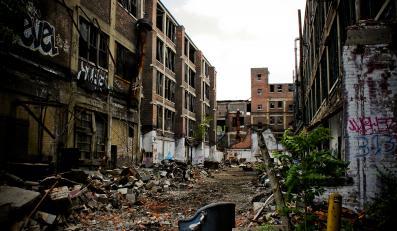 Zniszczona fabryka w Detroit