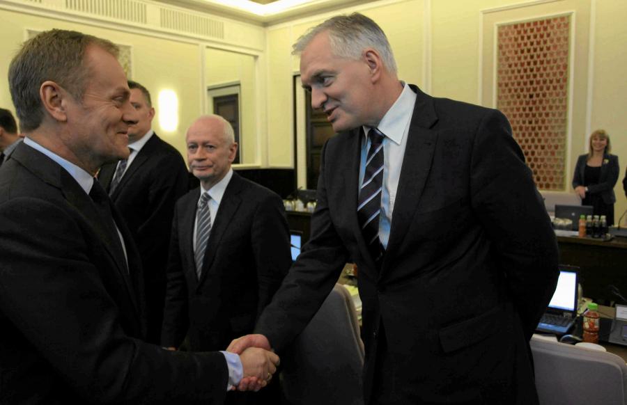 Donald Tusk i Jarosław Gowin na posiedzeniu Rady Ministrów