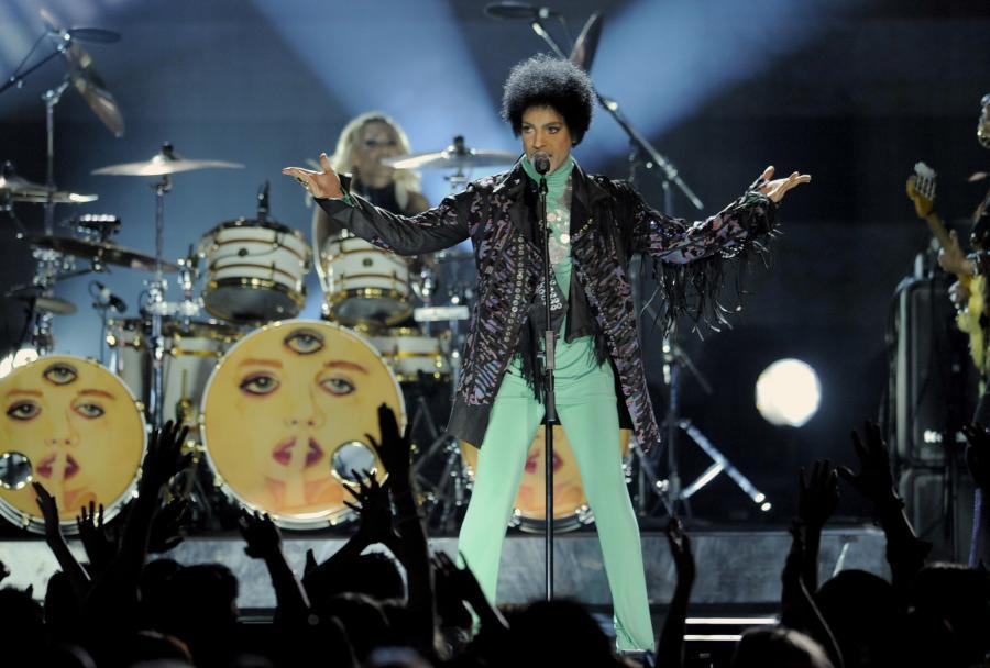 Prince prezentuje \