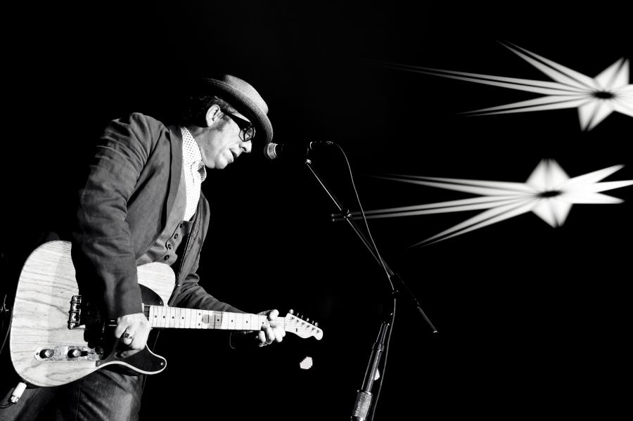 Elvis Costello tym razem z The Roots