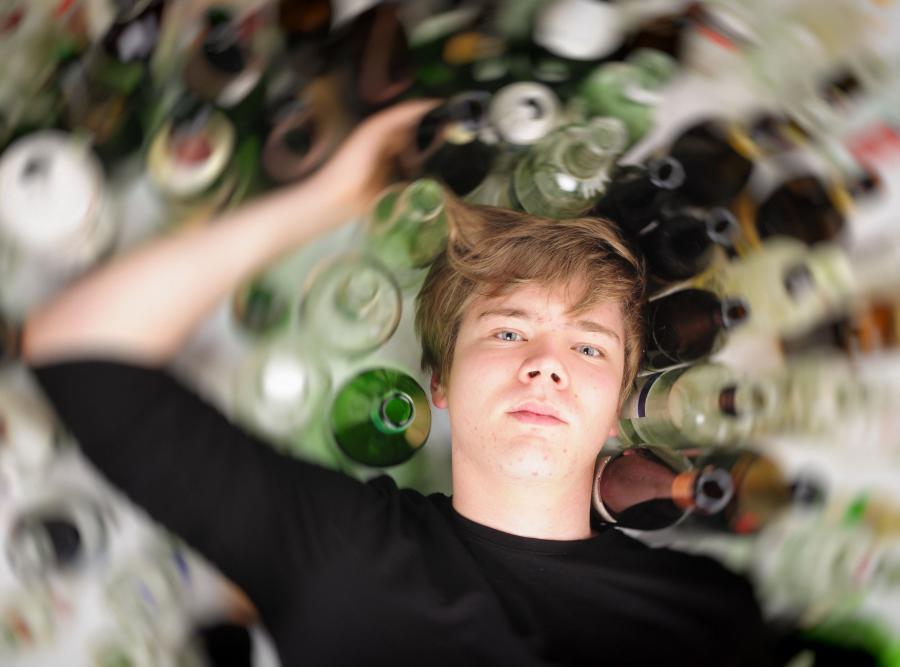 Od czego uzależniają się nastolatkowie?