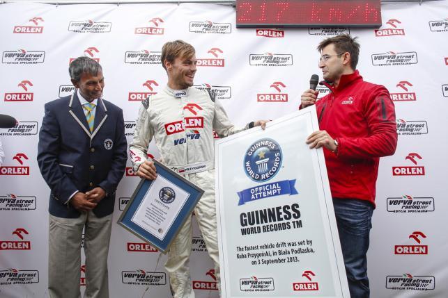 Kuba Przygoński ustanowił nowy rekord Guinnessa prędkości jazdy w drifcie