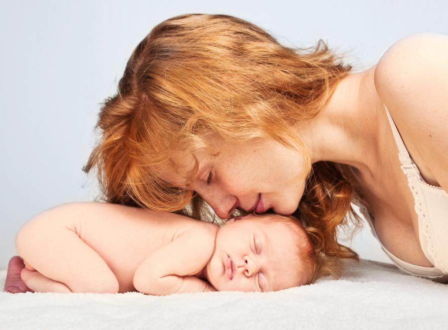 Zapach noworodka odpowiada za rozwój instynktu macierzyńskiego?