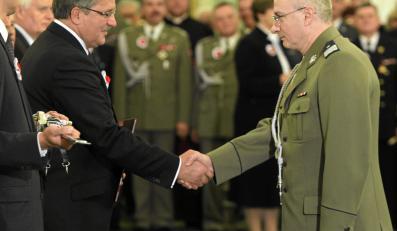 Prezydent Bronisław Komorowski i szef ABW Krzysztof Bondaryk. Zdjęcie z 2010 roku