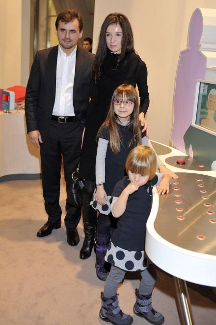 Marta Kaczyńska i Marcin Dubieniecki z córkami