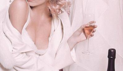 Autorem zdjęć jest sam Karl Lagerfeld
