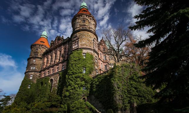 Tutaj miał mieszkać Adolf Hitler. Tajemniczy zamek Książ