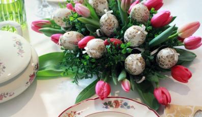 Jak udekorować stół na Wielkanoc - inspiracje z Bombkarni