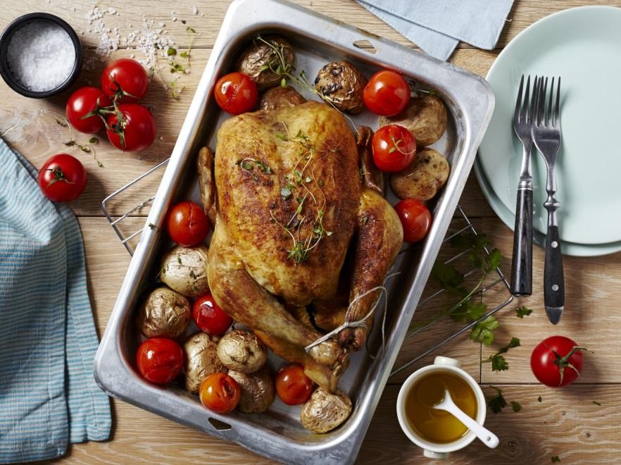 Stworzony Na Swiateczny Obiad Pieczony Kurczak Z Pomidorami Przepis