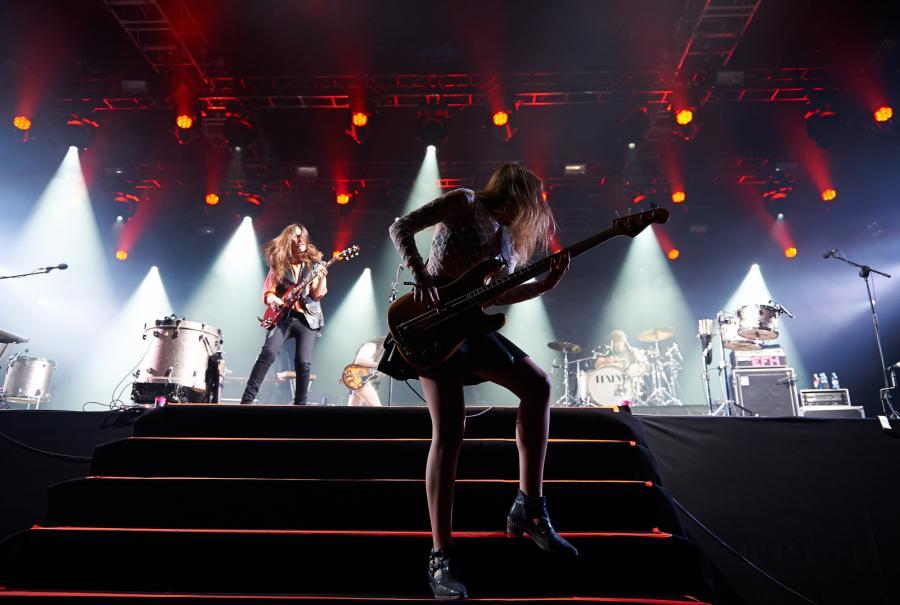 Haim podczas koncertu na Open'er Festival 2014