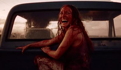 """Marilyn Burns w filmie """"Teksańska masakra piłą mechaniczną"""""""