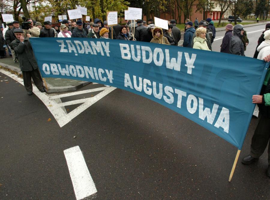 Rondo Marconiego w Augustowie, mieszkańcy znowu blokują drogę krajową nr 8.