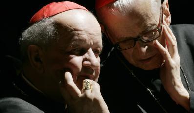 Kardynał Stanisław Dziwisz i kardynał Franciszek Macharski