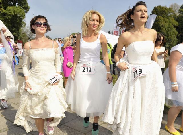 celebrytki wzięły udział w Biegu w sukniach ślubnych