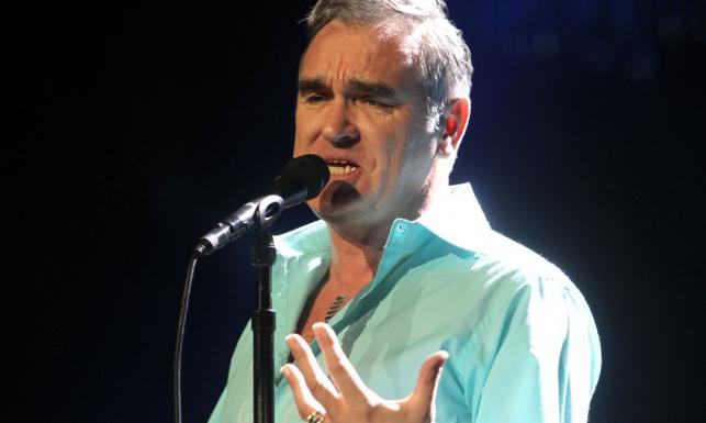 Morrissey mógłby się od nich uczyć. Gwiazdy, które nie strzelają focha na scenie [ZDJĘCIA]