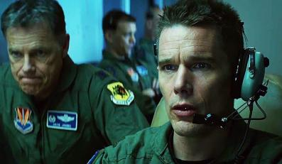 "Ethan Hawke zabija dronami w ""Good Kill"""