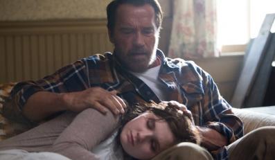 Arnold Schwarzenegger kochającym ojcem Abigail Breslin