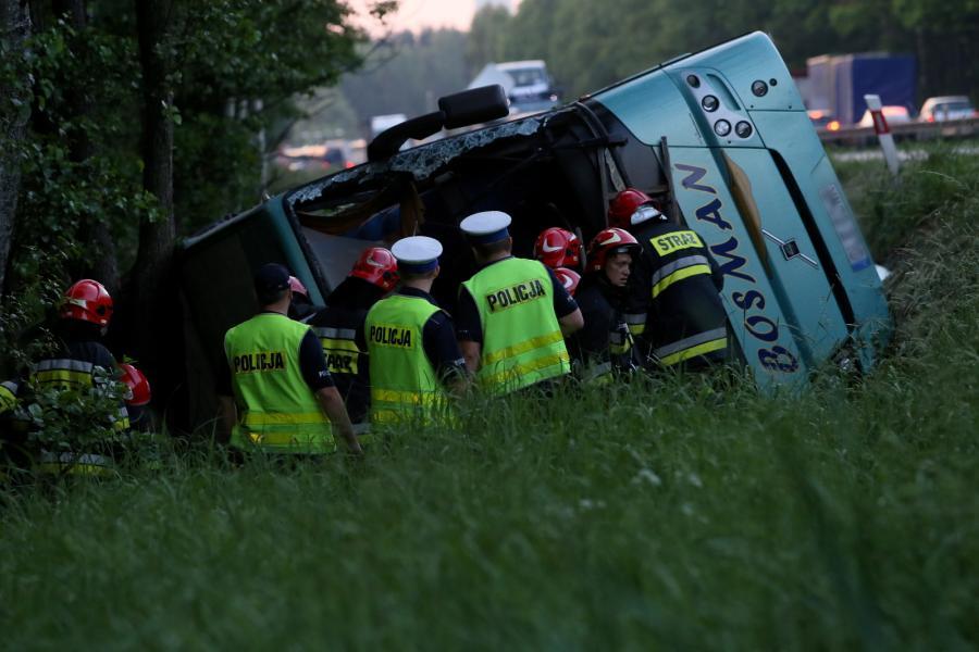 Wypadek szkolnego autokaru