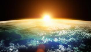 Naukowcy ostrzegają przed kosmicznymi śmieciami
