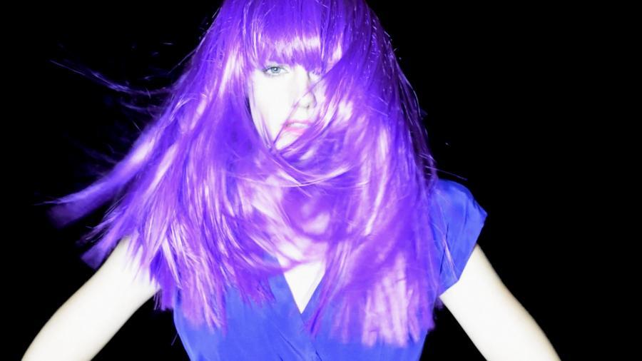 Olivia Anna Livki w bardzo osobistym klipie